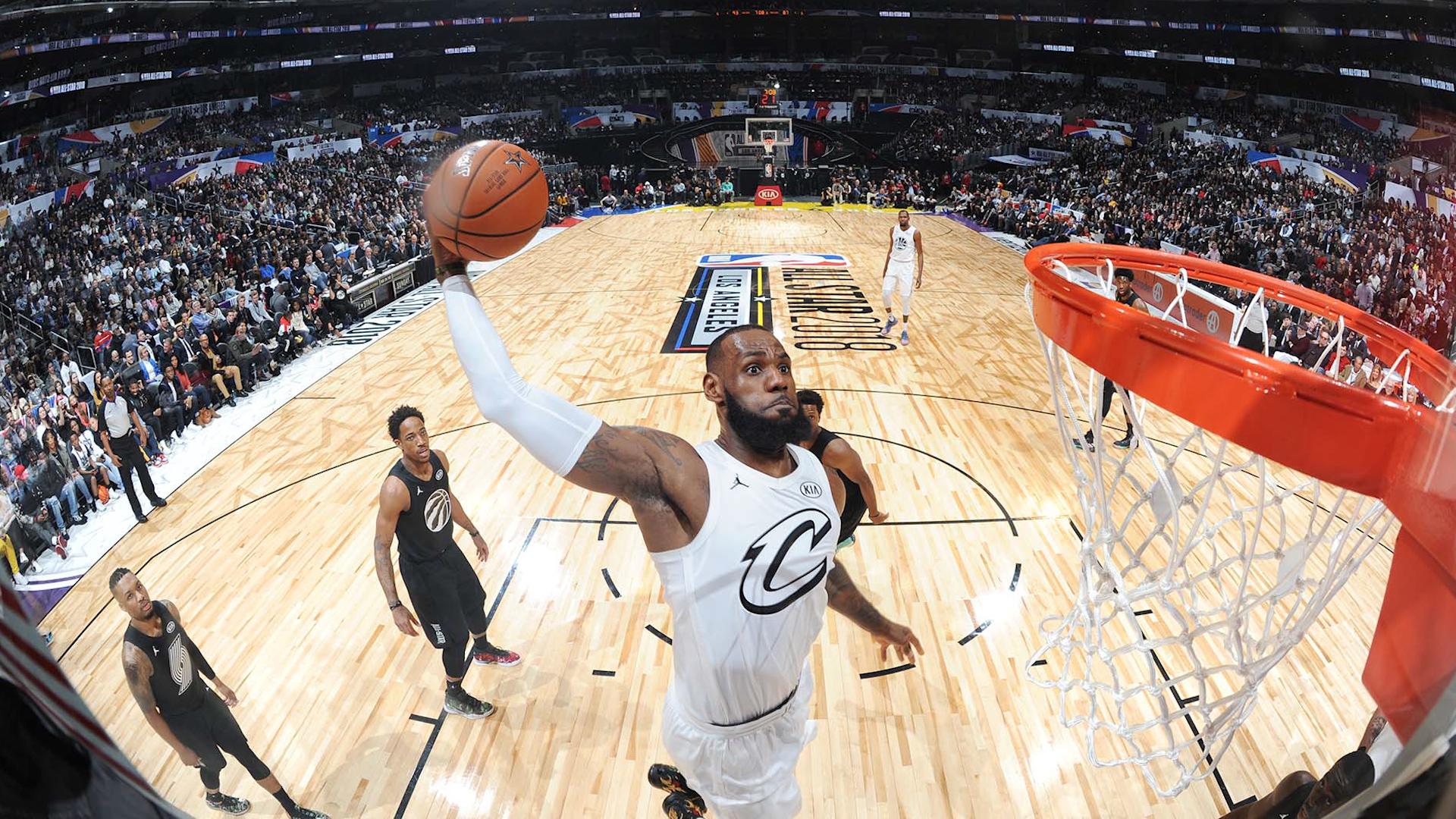 All Star Game de la NBA, LeBron James le gana el duelo a Stephen Curry. Foto cortesía