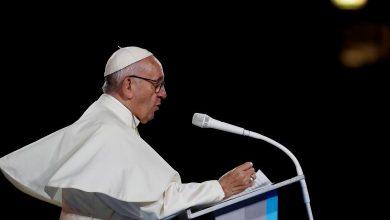 Photo of Papa dijo que parejas del mismo sexo deberían estar protegidas por leyes de unión civil