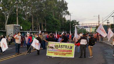 Photo of Paso cerrado en bulevar Tutunichapa por sindicalistas que denuncian retención de cuotas