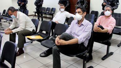 Photo of Expresidente de ARENA y dos exministros de Defensa acusados de estafar al Estado seguirán proceso en libertad