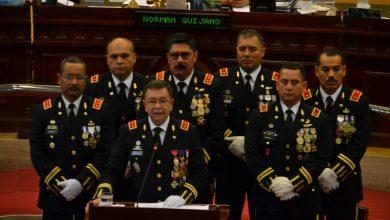 Photo of El día que Munguía Payés llegó a la Asamblea rodeado de francotiradores, helicópteros y soldados armados con rostros pintados de verde olivo