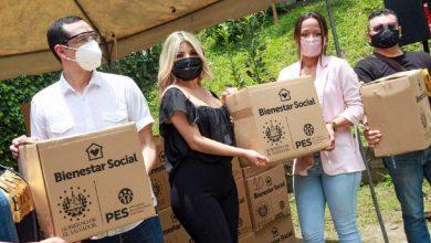 Photo of Artistas nacionales reciben segunda entrega de paquetes alimentarios