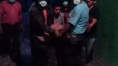 Photo of Rescatan a dos personas tras colapso de pared en Sonsonate