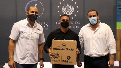 Photo of Atletas reciben paquetes alimentarios