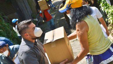Photo of Entregan 400 paquetes alimentarios a familias de la colonia Morán, de Santo Tomás