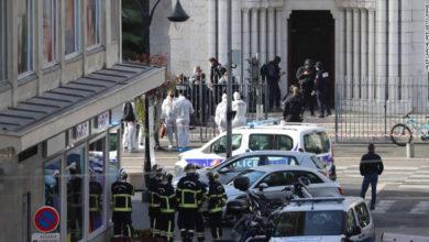 Photo of Dos muertos y mujer decapitada en ataque dentro de una basílica francesa de Niza