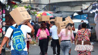 Photo of Vendedores informales del mercado Sagrado Corazón reciben paquetes alimentarios del programa PES