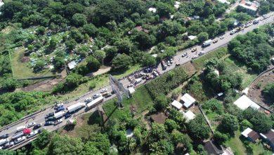 Photo of Bloqueos de empleados municipales en carreteras del país genera caos vehicular