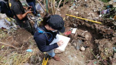Photo of Imágenes | FGR exhuma dos cadáveres encontrados en un predio baldío en Soyapango