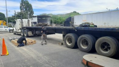 Photo of Interceptan dos tráiler con millonario cargamento de cocaína en La Unión y La Paz