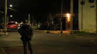 Photo of Dos mecánicos y un panadero entre los seis muertos en cervecería de San Salvador