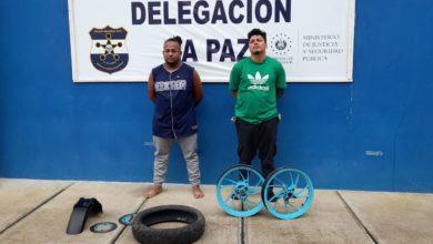 Photo of Detienen a sujetos por vender partes hurtadas de una motocicleta en redes sociales