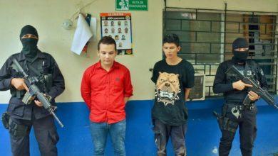Photo of Capturan a tres pandilleros vinculados al asesinato del agente policial en San Juan Opico