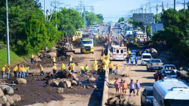Photo of Paso permanecerá cerrado por varios días en la carretera hacia Quezaltepeque por deslave en Nejapa