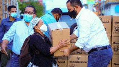 Photo of Vendedores de la calle Arce son favorecidos con paquetes alimentarios