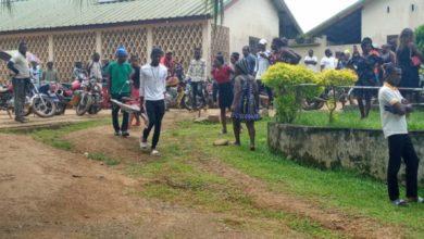 Photo of Seis niños mueren en un tiroteo de una escuela en Camerún