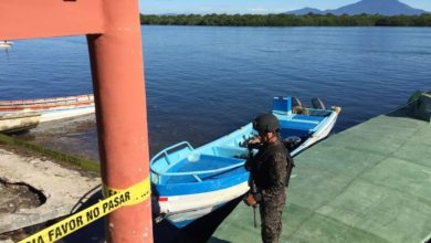 Photo of Detienen a tres guatemaltecos por cooperar en tráfico de droga en costas salvadoreñas