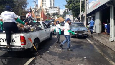 Photo of Con pick up alcalde de San Salvador prioriza recolección de basura en la Escalón, San Benito y otras zonas exclusivas