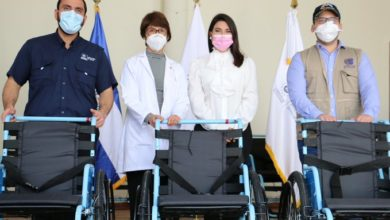 "Photo of Entregan donativo de 25 sillas de ruedas al Centro de Atención a Ancianos ""Sara Zaldívar"""